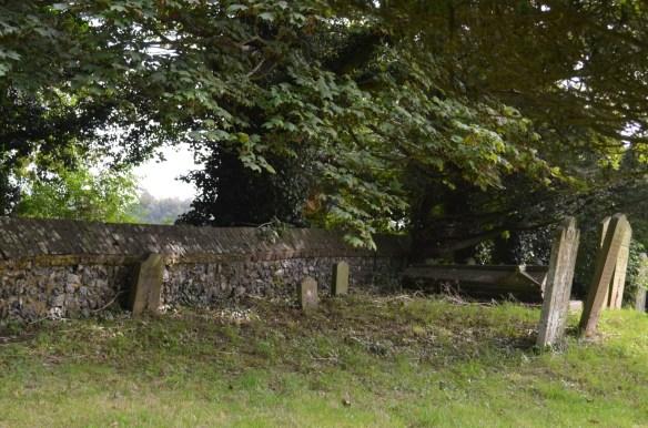 st nicholas ringwould churchyard5