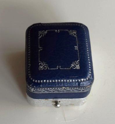 Frank ring box