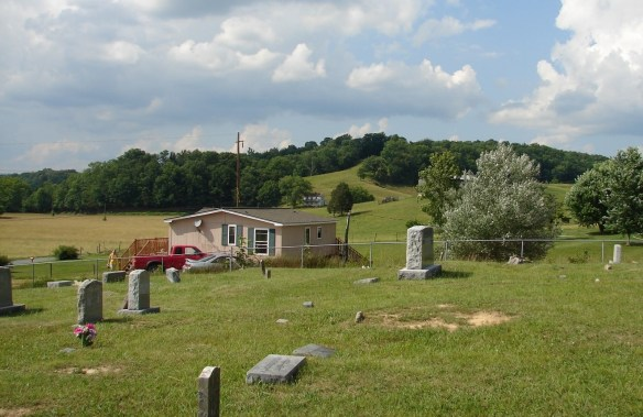 raleigh-kite-house-from-cemetery