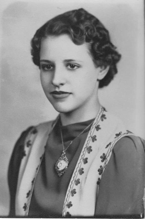 Barbara Jean Ferverda high school photo 1940