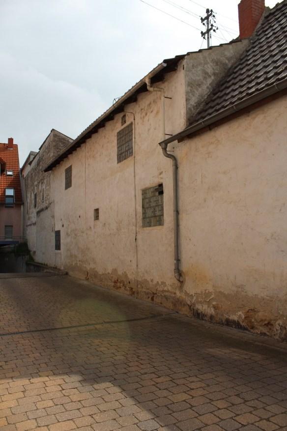 Fussgoenheim-Kirsch-left-wall.jpg
