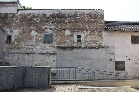 Fussgoenheim Kirsch left wall 3.jpg