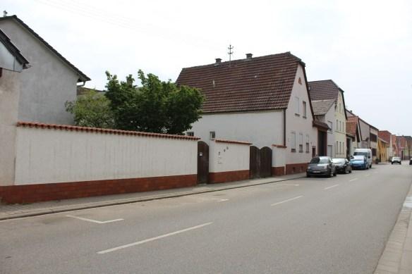 Fussgoenheim Koehler wall 2.jpg