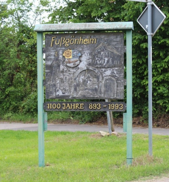 Fussgoenheim-sign-2.jpg
