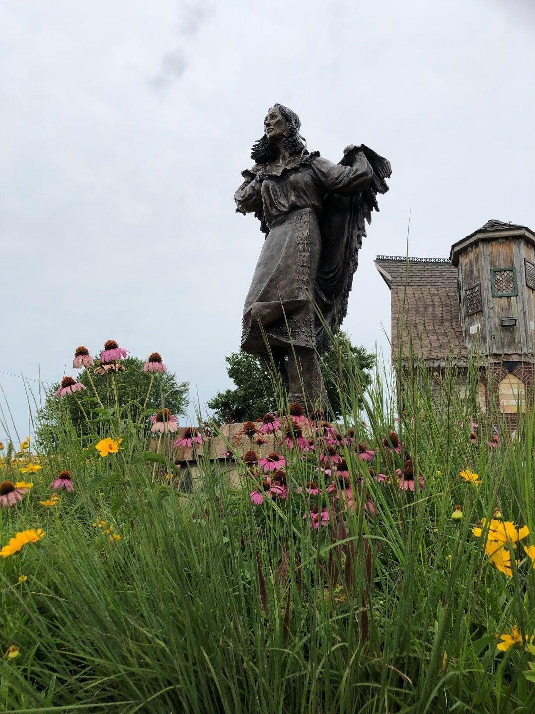 Kokomo Manetoowa statue.jpg