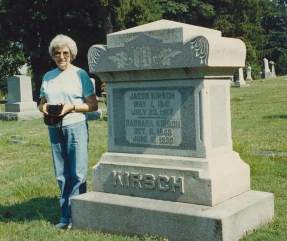 30 Mom cemetery Kirsch