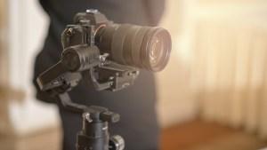 Digital Mirrorless camera and recording microphone