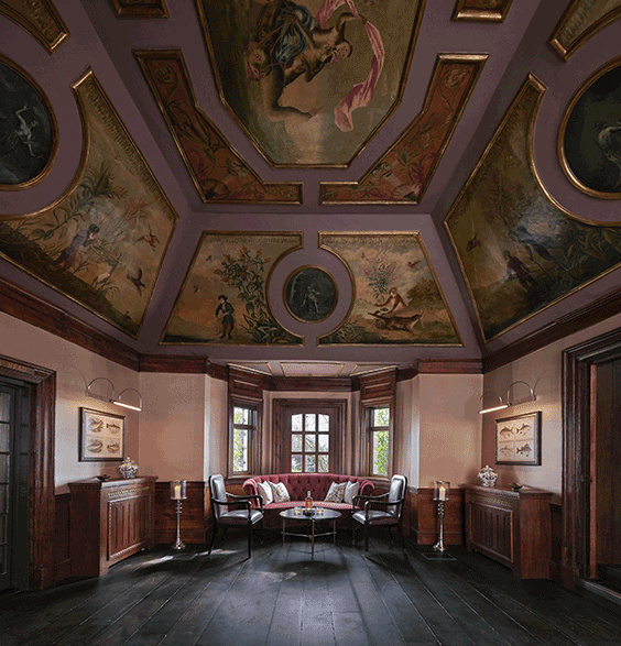 Monkey Island Estate Hotel, Bray, England