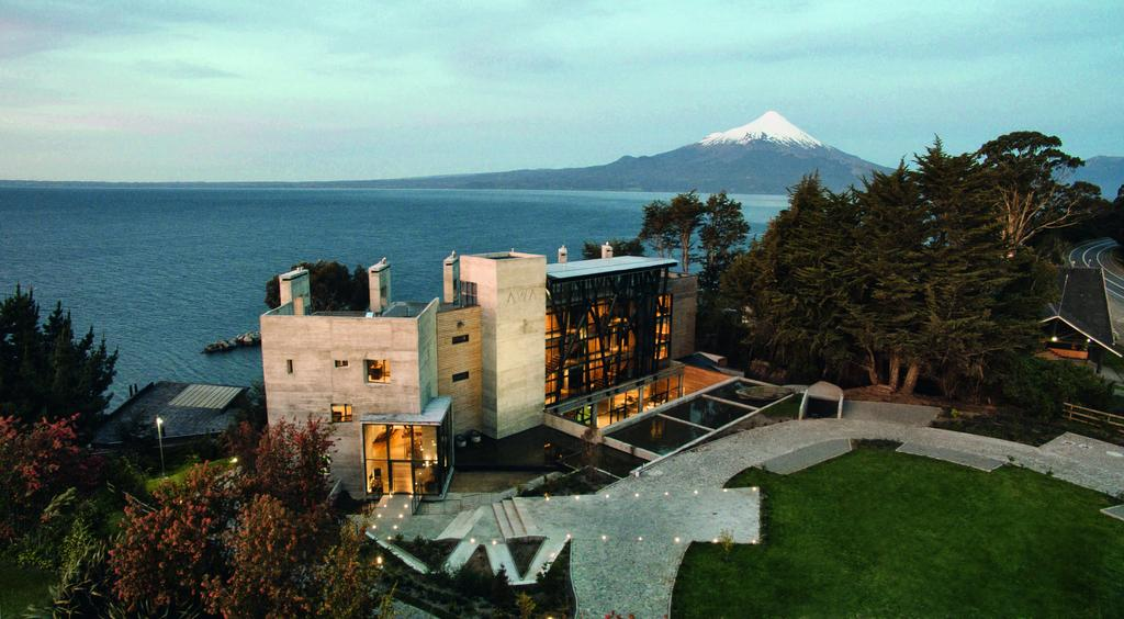 Hotel AWA Puerto Varas Chile