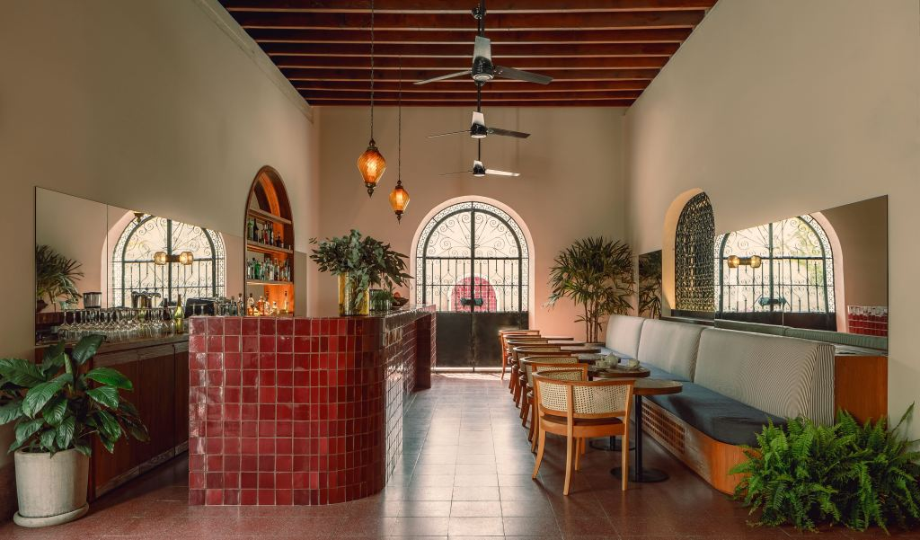 Baja Club | La Paz, Mexico