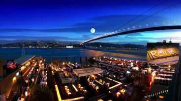 reina-istanbul-party-summer-1483268231