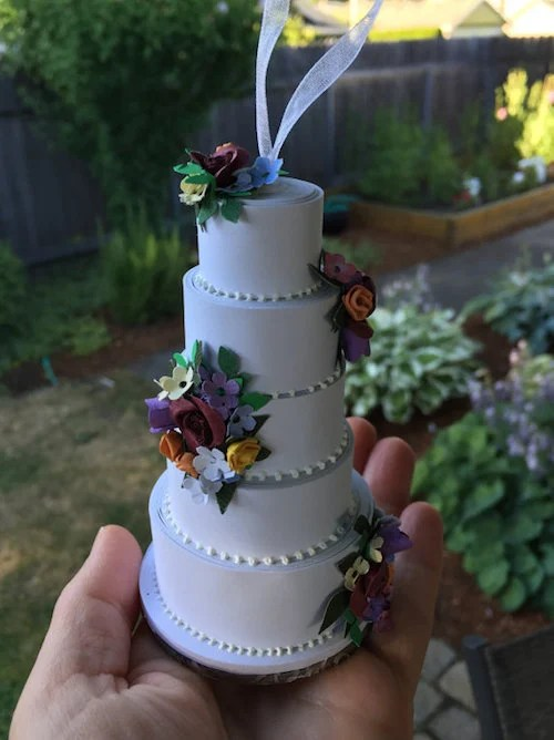 How to Turn Your Wedding Cake Into an Ornament   Woman Getting Married Via PapercakesbyMikey   20  70