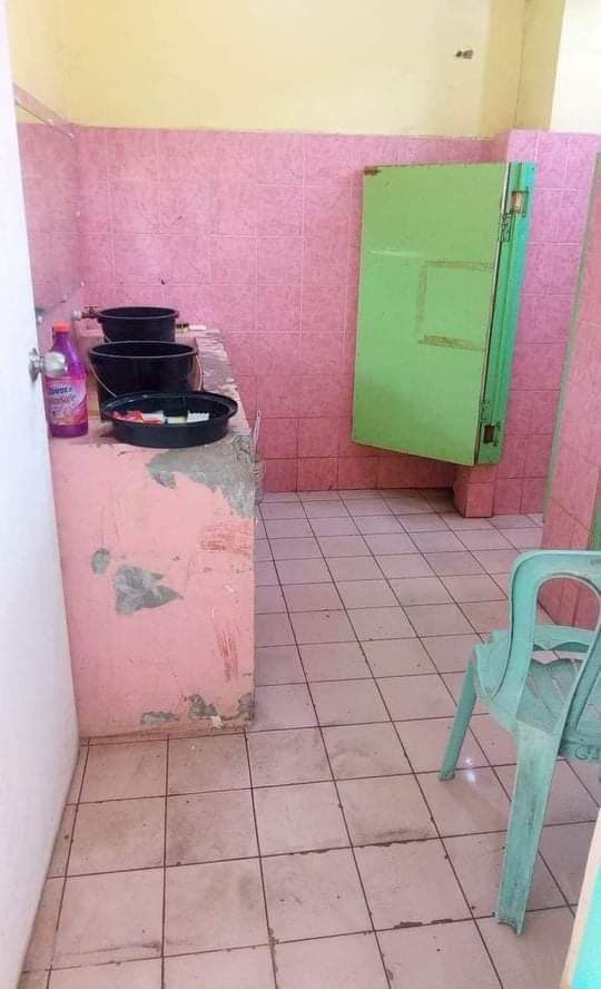 Photos of the room inside the quarantine facility at BCNHS in Bacolod City sent by a relative of the isolated patients, one of whom was interviewed by DNX