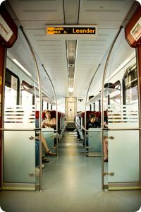 rg_rail_riding01