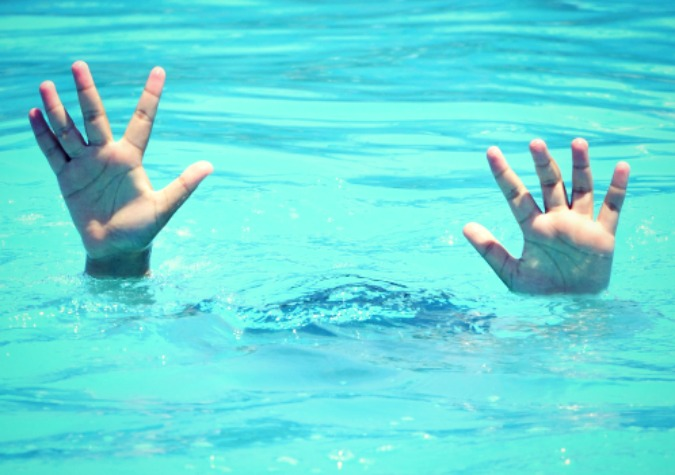 Hands Drowning 1