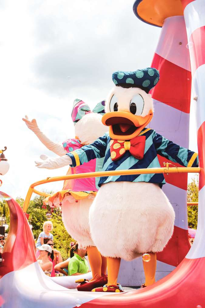 Everything you need to know about Disney's Festival of Fantasy parade including best viewing spots, parade route, and timing! #disney #disneyworld #waltdisneyworld #wdw #magickingdom #festivaloffantasy #magickingdomparade #fofparade #disneytips Festival of Fantasy   Disney Parade   Disney Tips   Disney advice   Disney hacks   Disney world   Walt Disney World   WDW   disney shows   Disney Magic Kingdom   Magic kingdom things to do   Magic kingdom day parade   where to watch magic kingdom parade