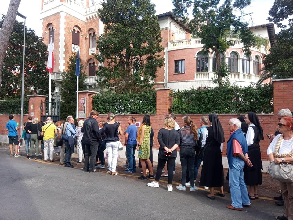 Prodemokratyczna Polonia ruszyła do urn
