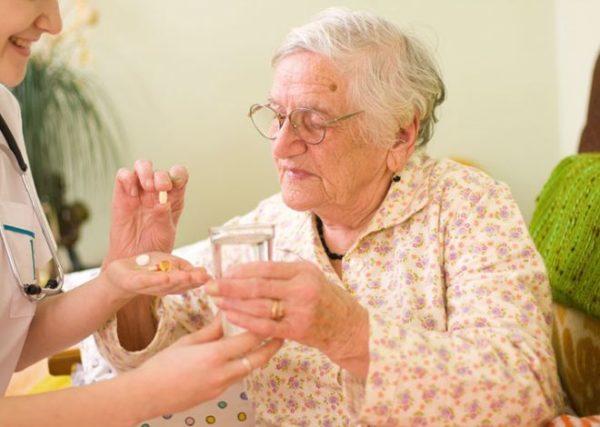 Галлюцинации у пожилых людей — что делать и как лечить недуг. Чем опасны галлюцинации у пожилых людей и можно ли от них избавиться