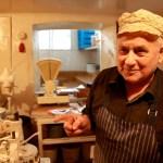 Człowiek, który od 57 lat piecze słodkie bułki