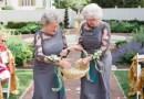 Babcie dostały nietypowe zaproszenie na ślub swoich wnucząt