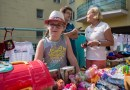 Tłumy na kiermaszu – 8 latka chce pomóc swojej chorej mamie, nie spodziewała się takiego odzewu