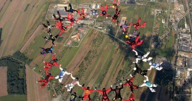 Ustanowiono nowy spadochronowy Sekwencyjny Rekord Polski