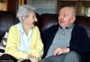 98-letnia mama wprowadziła się do domu opieki, żeby zająć się swoim synem