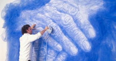 """""""Malowanie tkaninami"""" – niezwykła twórczość Benjamina Shine"""