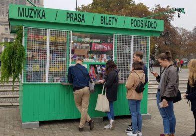 Nowy album Dawida Podsiadło – można go kupić bezpośrednio od artysty w specjalnym kiosku…i dostać autograf