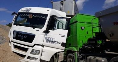 Zatrzymał ciężarówkę , której kierowca doznał zawału – taranując ją