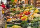 Bazar na Wolumenie. Zamiast wyrzucać kupcy podzielą się owocami i warzywami