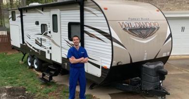 Właściciele przyczep kempingowych i kamperów postanowili pomóc lekarzom
