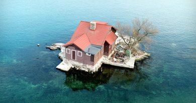 Najmniejsza zamieszkana wyspa na świecie. Pomieściła tylko jeden dom