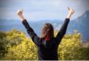 Pozytywne myślenie ma moc! 3 sposoby na zdrowsze (i weselsze) życie