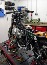 Elektrikeinbau bei Doc Jensen Scrambler 1100