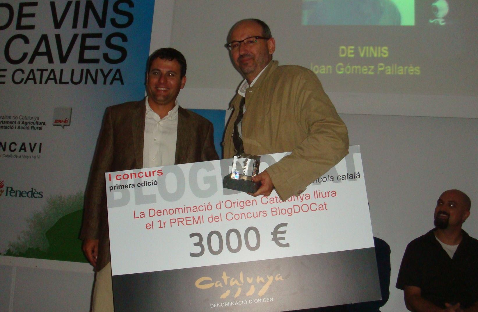 El guanyador del I Concurs Blog DOCat i el president de la DO Catalunya, Xavier Pié