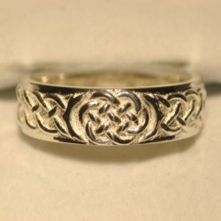Celtic Wedding Knot Ring Front