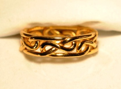 Celtic Infinity Knot Ring Gold