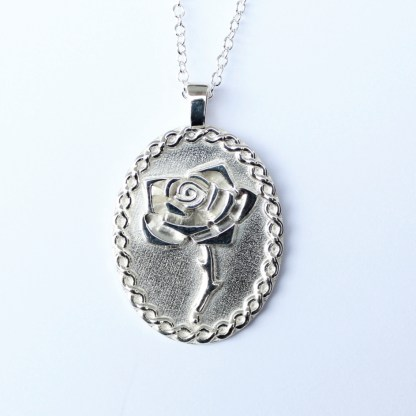 Bleeding Rose Necklace