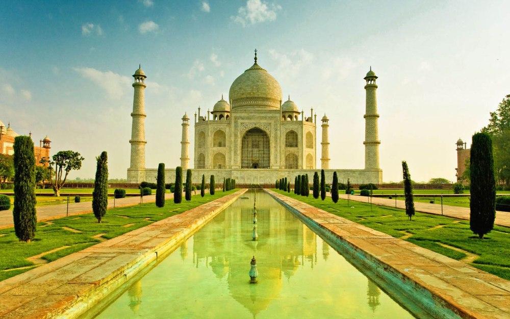 Taj Mahal : The pride of India (1/2)