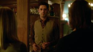 See? Ridiculous. He looks like shit. Well, as much as Hale Appleman can look like shit.