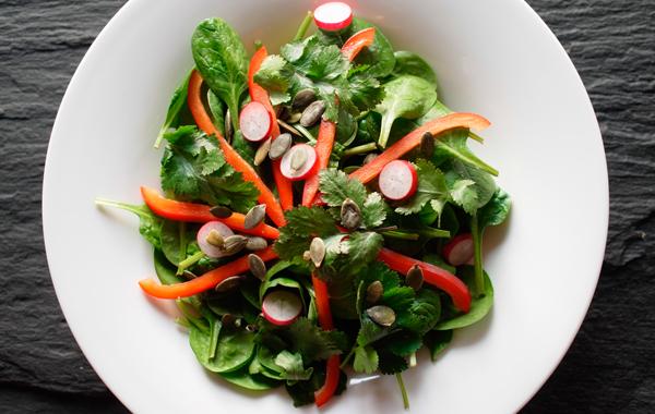 Salades d'étés - Recette de salade de jeunes pousses d'épinards