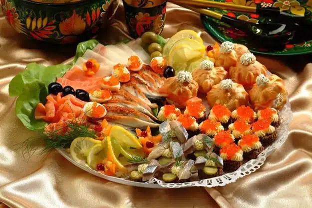 Plats traditionnels russes pour les fêtes de Noel: les zakouski