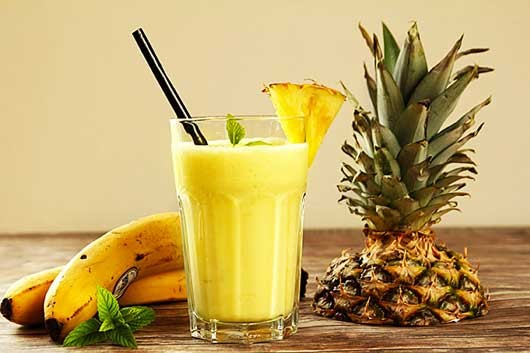 smoothie ananas banane pina colada