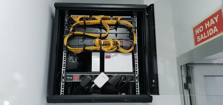 Montaje y configuración armario rack