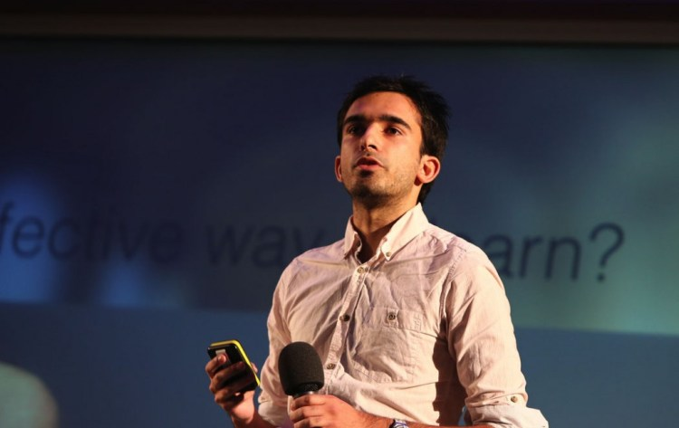 Synap Founder and Medical Student James Gupta speaking at an education technology conference in London