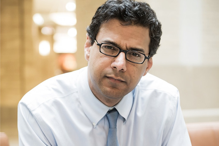 Headshop of author AtulGawande