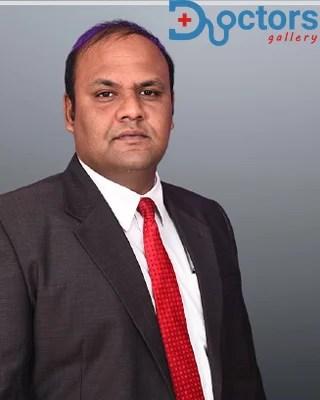 Dr Lakshmikanth P