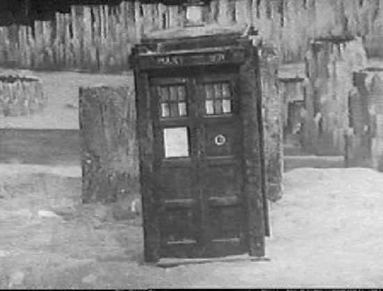 Resultado de imagem para doctor who first doctor tardis