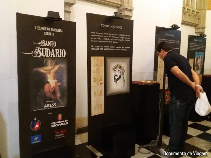 Exposição sobre o santo sudário